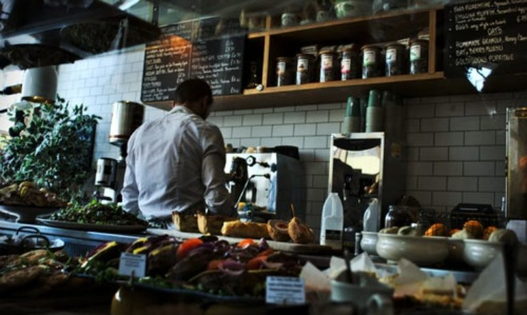 Sustainability in Restaurants: How to Cut Down on Single-Use Plastics